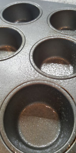 Nested eggs muffin pan